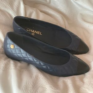 CHANEL size 39.5 pointed toe flats